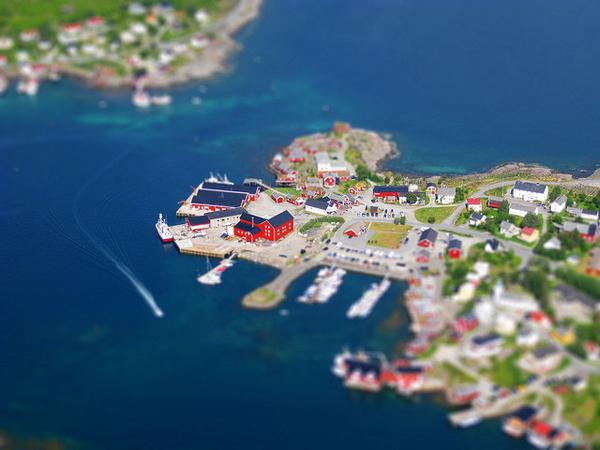 Tilt-Shift Foto von Reine auf den Lofoten, Norwegen