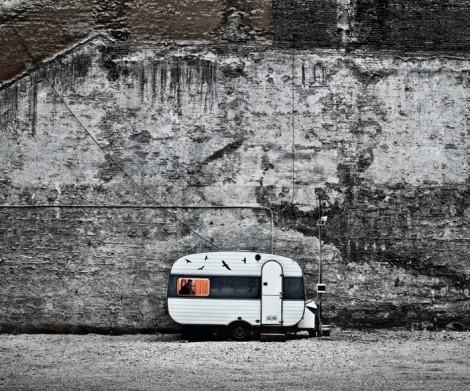 Fotografische Langzeitbeobachtung: Ein Nachtwächter auf einsamem Posten im ärmsten Viertel Budapests