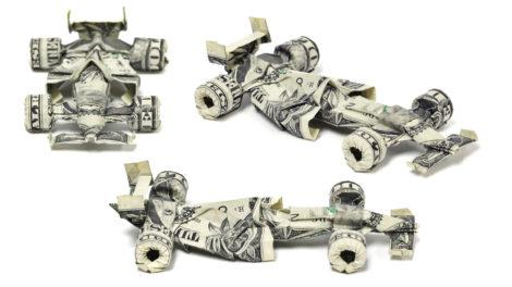 """Formel 1 Rennwagen aus zwei """"1 Dollar""""-Noten"""